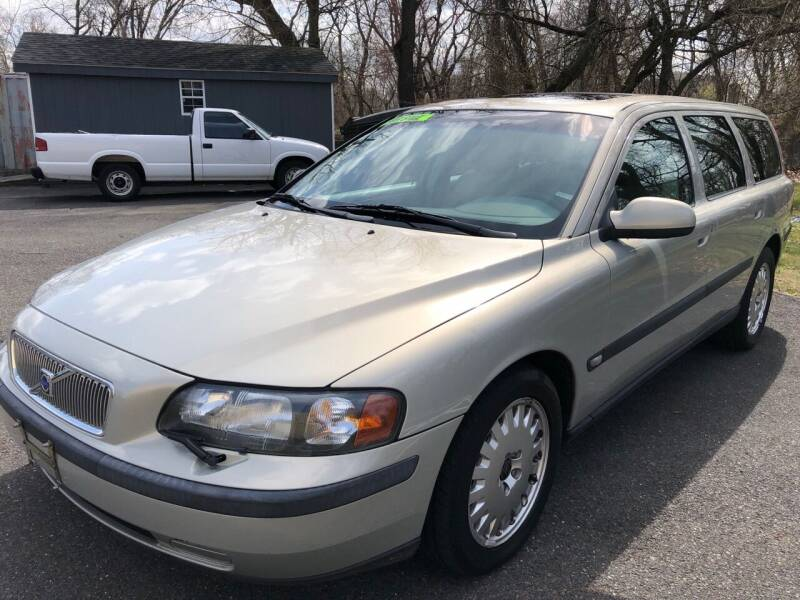 2001 Volvo V70 for sale at Perfect Choice Auto in Trenton NJ