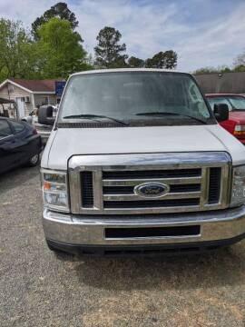 2012 Ford E-Series Wagon for sale at Delgato Auto in Pittsboro NC