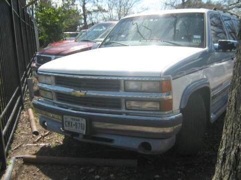 1998 Chevrolet Suburban for sale at Ody's Autos in Houston TX