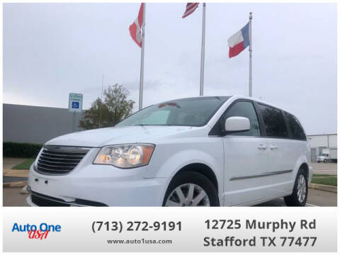 2015 Chrysler Town and Country for sale at Auto One USA in Stafford TX