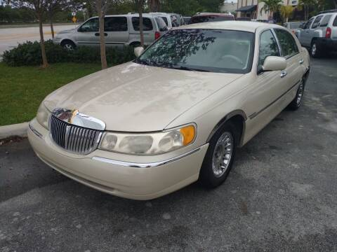 1999 Lincoln Town Car for sale at LAND & SEA BROKERS INC in Pompano Beach FL