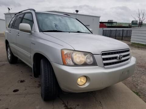 2002 Toyota Highlander for sale at DFW AUTO FINANCING LLC in Dallas TX