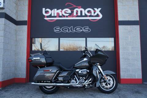 2018 Harley-Davidson Road Glide Ultra for sale at BIKEMAX, LLC in Palos Hills IL