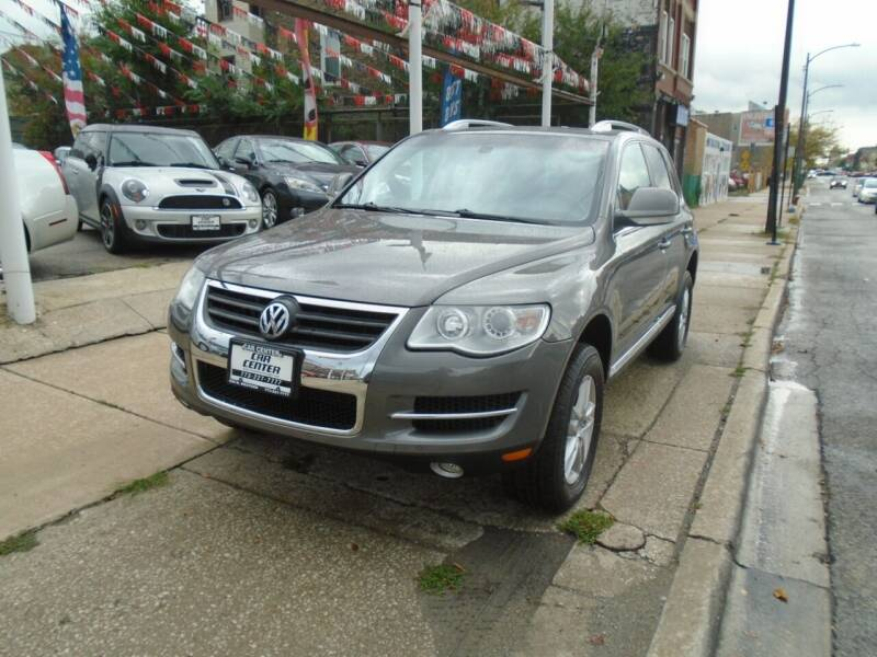 2009 Volkswagen Touareg 2 for sale at CAR CENTER INC in Chicago IL