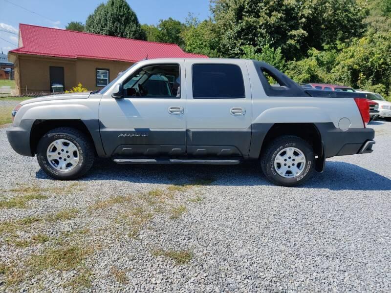 2004 Chevrolet Avalanche for sale at Magic Ride Auto Sales in Elizabethton TN