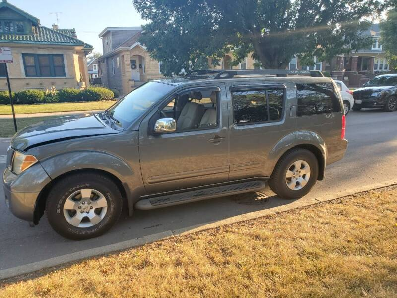 2006 Nissan Pathfinder for sale at Apollo Motors INC in Chicago IL