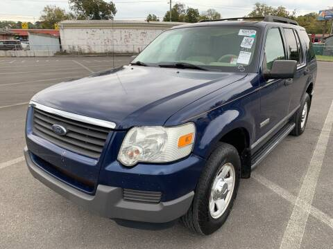 2006 Ford Explorer for sale at Diana Rico LLC in Dalton GA