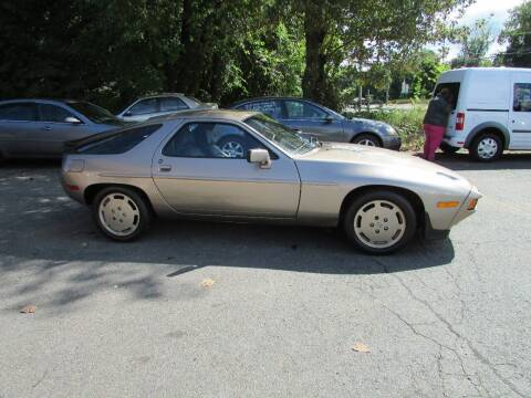 1984 Porsche 928 for sale at Nutmeg Auto Wholesalers Inc in East Hartford CT