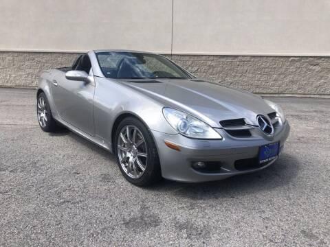 2005 Mercedes-Benz SLK for sale at PITTMAN MOTOR CO in Lindale TX