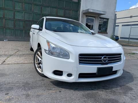 2009 Nissan Maxima for sale at Illinois Auto Sales in Paterson NJ