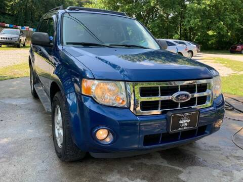 2008 Ford Escape for sale at Day Family Auto Sales in Wooton KY