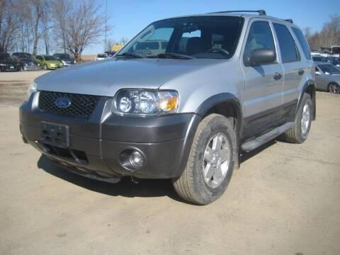 2006 Ford Escape for sale at CARZ R US 1 in Armington IL