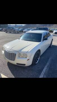 2005 Chrysler 300 for sale at Wildcat Used Cars in Somerset KY