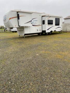 2009 BigCountry 5th wheel 3490RB
