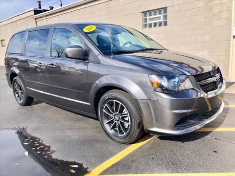2016 Dodge Grand Caravan for sale at Richardson Sales & Service in Highland IN