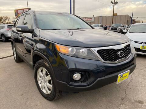 2013 Kia Sorento for sale at New Wave Auto Brokers & Sales in Denver CO