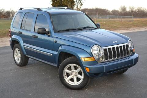 2005 Jeep Liberty for sale at GLADSTONE AUTO SALES    GUARANTEED CREDIT APPROVAL in Gladstone MO