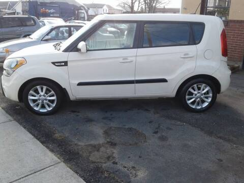 2013 Kia Soul for sale at Nelsons Auto Specialists in New Bedford MA