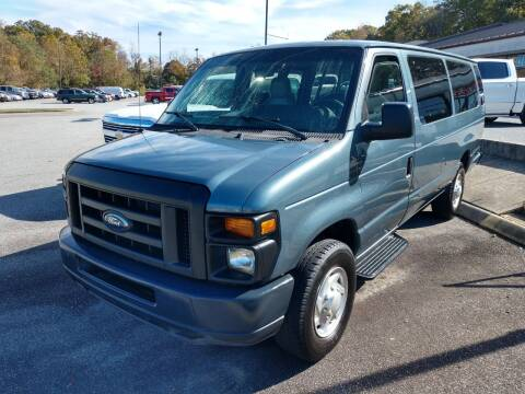 2012 Ford E-Series Wagon for sale at Modern Motors - Thomasville INC in Thomasville NC