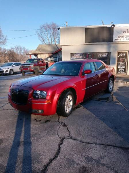 2006 Chrysler 300 for sale at Rocket Cars Auto Sales LLC in Des Moines IA
