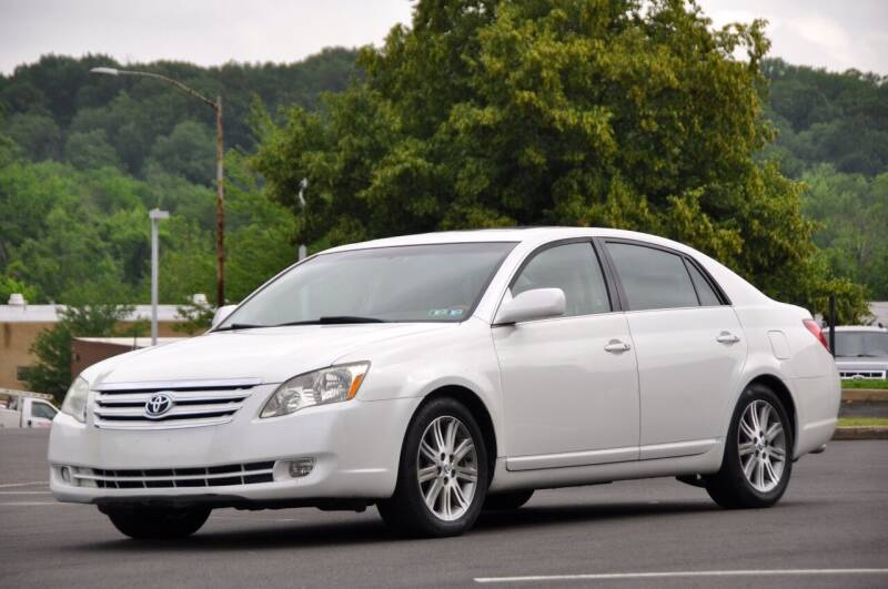 2005 Toyota Avalon for sale at T CAR CARE INC in Philadelphia PA
