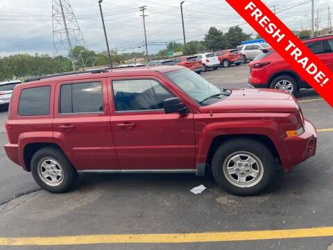 2010 Jeep Patriot for sale at MATTHEWS HARGREAVES CHEVROLET in Royal Oak MI