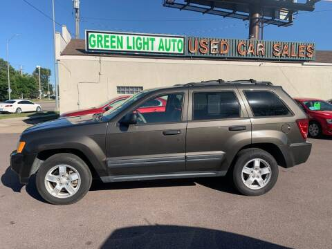 2006 Jeep Grand Cherokee for sale at Green Light Auto in Sioux Falls SD