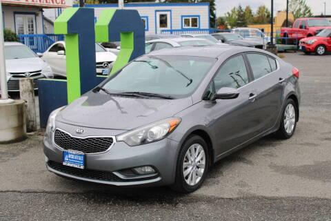 2014 Kia Forte for sale at BAYSIDE AUTO SALES in Everett WA