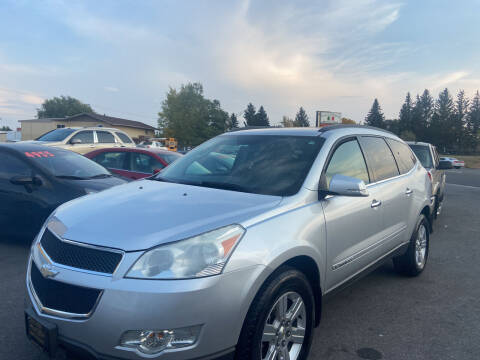 2009 Chevrolet Traverse for sale at BELOW BOOK AUTO SALES in Idaho Falls ID