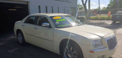 2010 Chrysler 300 for sale at Superior Motors in Mount Morris MI