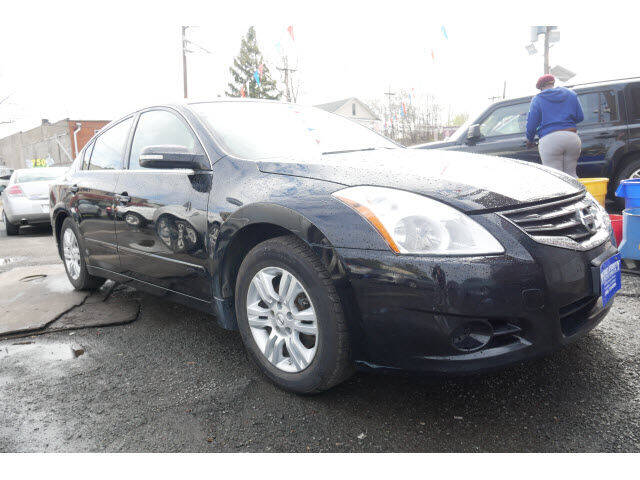 2012 Nissan Altima for sale at MICHAEL ANTHONY AUTO SALES in Plainfield NJ