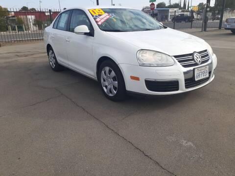 2009 Volkswagen Jetta for sale at COMMUNITY AUTO in Fresno CA