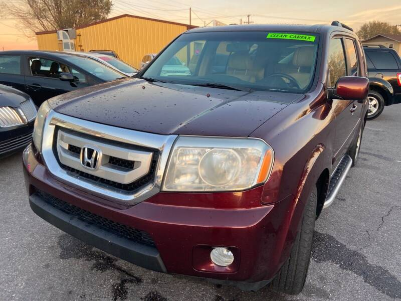 2009 Honda Pilot for sale at BELOW BOOK AUTO SALES in Idaho Falls ID