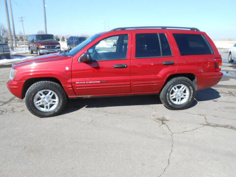 2004 Jeep Grand Cherokee for sale at Salmon Automotive Inc. in Tracy MN