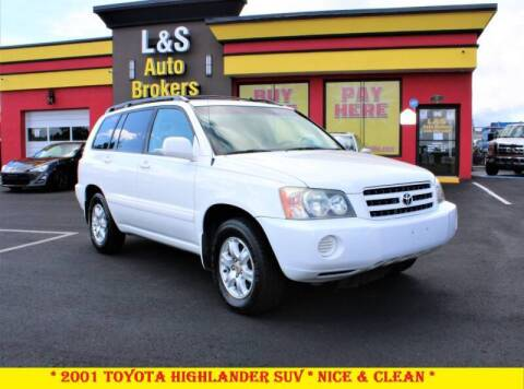 2001 Toyota Highlander for sale at L & S AUTO BROKERS in Fredericksburg VA