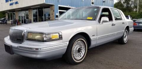1995 Lincoln Town Car for sale at Tri City Auto Mart in Lexington KY