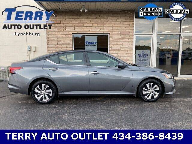 2020 Nissan Altima for sale at Terry Auto Outlet in Lynchburg VA