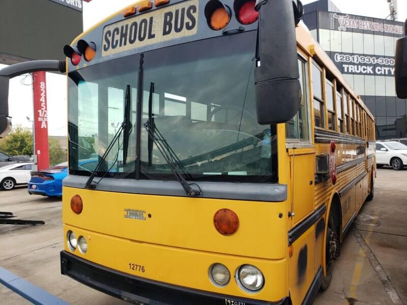 2002 Thomas Built Buses HDX