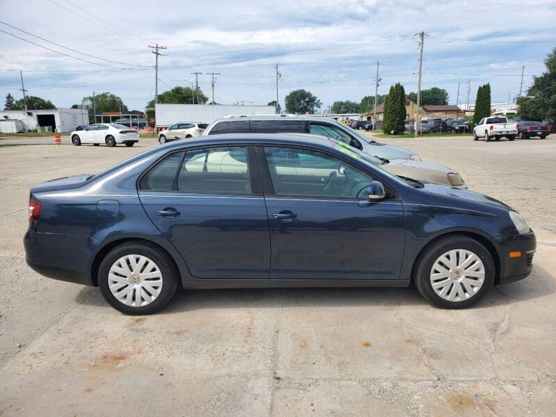 2010 Volkswagen Jetta for sale at Chuck's Sheridan Auto in Mount Pleasant WI