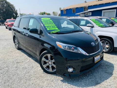 2017 Toyota Sienna for sale at LA PLAYITA AUTO SALES INC - Tulare Lot in Tulare CA