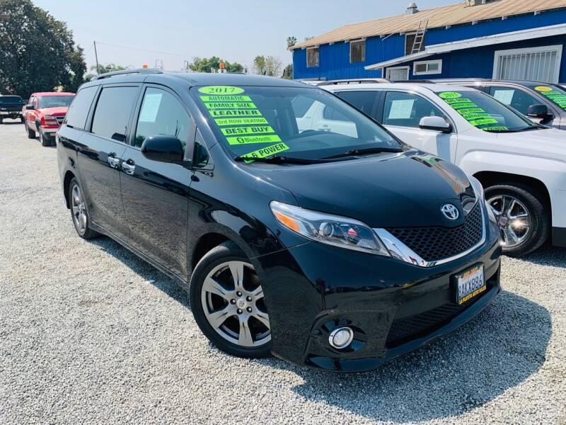 2017 Toyota Sienna for sale at LA PLAYITA AUTO SALES INC - Tulare Lot in Tulare CA
