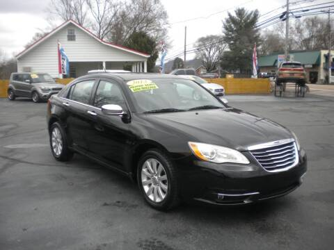 2013 Chrysler 200 for sale at Houser & Son Auto Sales in Blountville TN