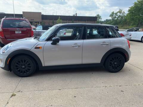2018 MINI Hardtop 4 Door for sale at Renaissance Auto Network in Warrensville Heights OH