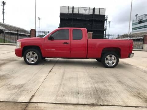 2009 Chevrolet Silverado 1500 for sale at ALL AMERICAN FINANCE AND AUTO in Houston TX