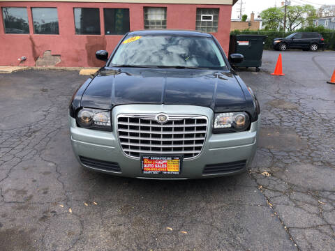 2009 Chrysler 300 for sale at RON'S AUTO SALES INC in Cicero IL