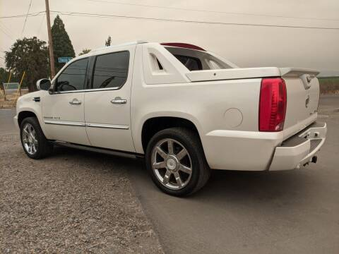 2008 Cadillac Escalade EXT for sale at M AND S CAR SALES LLC in Independence OR