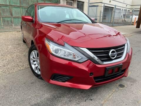 2016 Nissan Altima for sale at Illinois Auto Sales in Paterson NJ