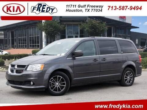 2017 Dodge Grand Caravan for sale at FREDY KIA USED CARS in Houston TX