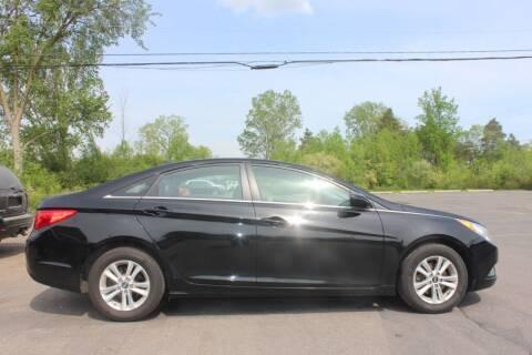 2013 Hyundai Sonata for sale at D & B Auto Sales LLC in Washington Township MI