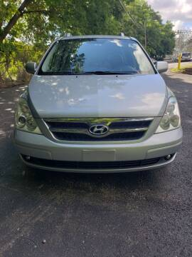 2007 Hyundai Entourage for sale at Mike's Auto Sales in Rochester NY